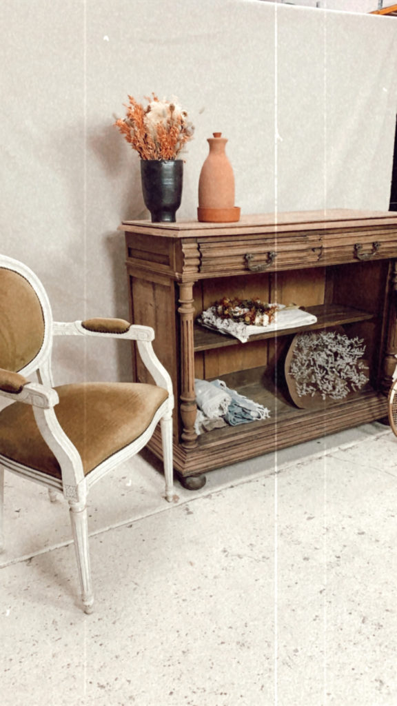 Location buffet chaise chiné